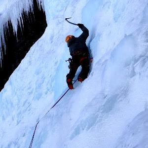 alpinisme-cascade-guides-ecrins-